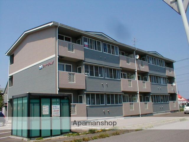 青森県八戸市の築18年 3階建の賃貸アパート