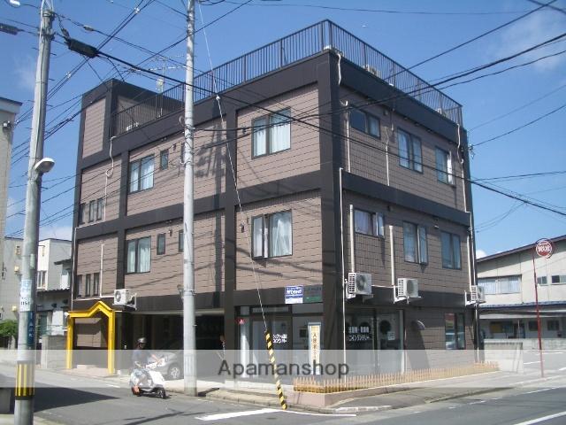 青森県弘前市、弘前駅徒歩15分の築24年 3階建の賃貸アパート