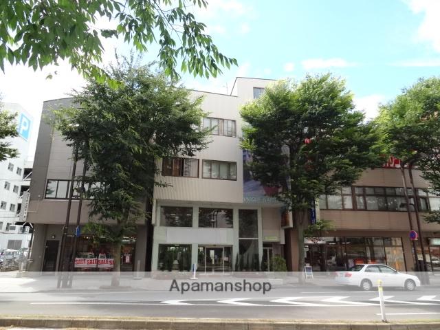 青森県弘前市、弘前駅徒歩5分の築13年 4階建の賃貸アパート