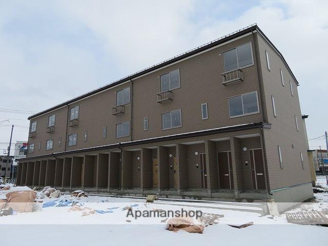 岩手県盛岡市の新築 3階建の賃貸アパート