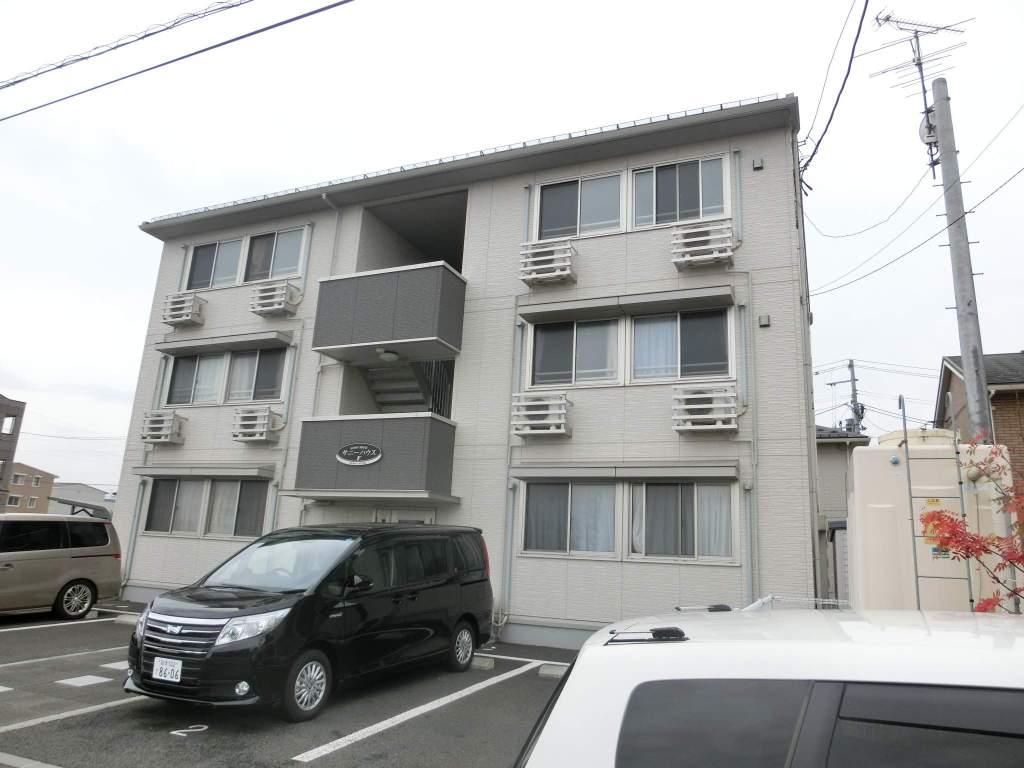 岩手県盛岡市の築7年 3階建の賃貸アパート