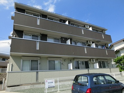 岩手県盛岡市の築5年 3階建の賃貸アパート