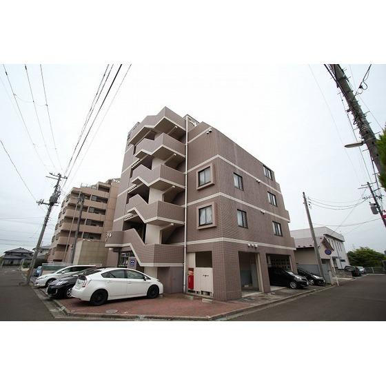 宮城県仙台市泉区、泉中央駅徒歩8分の築21年 5階建の賃貸マンション