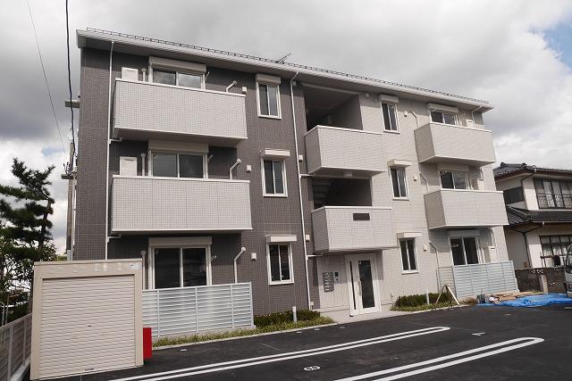 宮城県黒川郡大和町の築2年 3階建の賃貸アパート