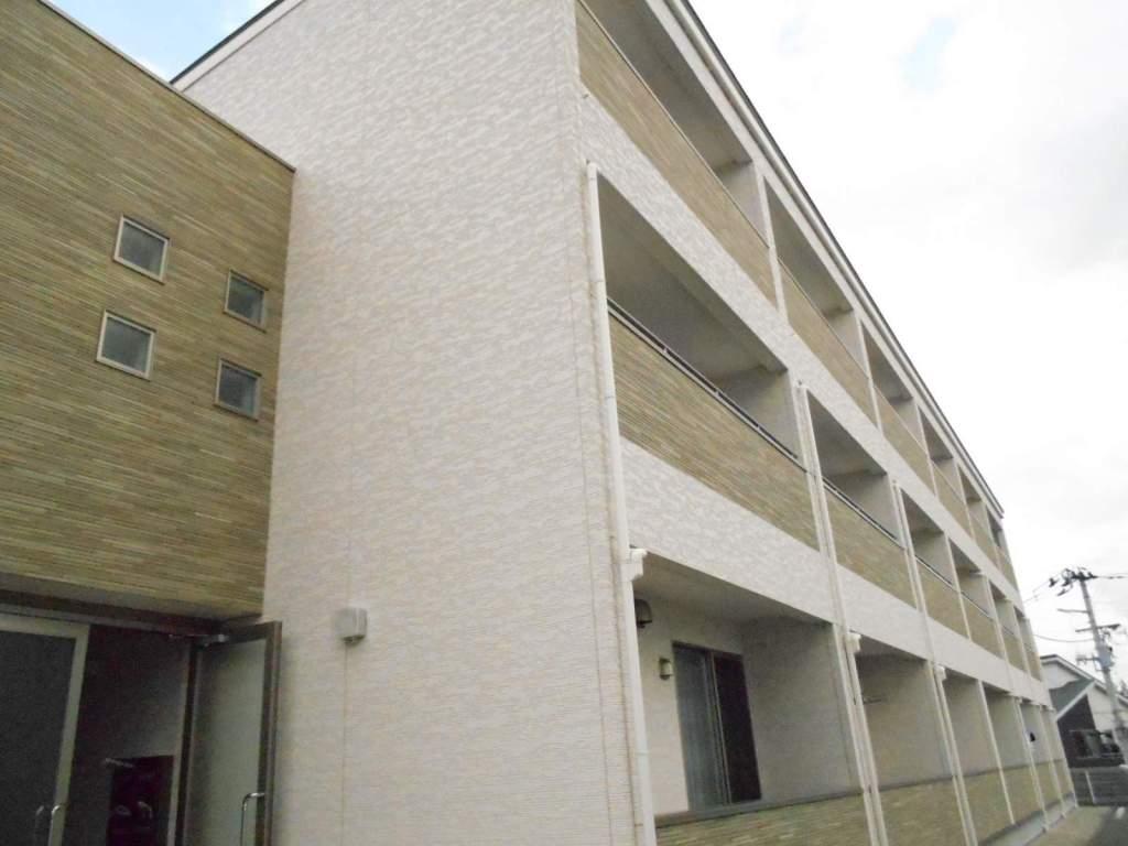 宮城県宮城郡利府町、岩切駅徒歩17分の築4年 3階建の賃貸アパート