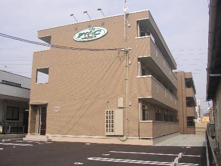 宮城県仙台市宮城野区、苦竹駅徒歩20分の築9年 3階建の賃貸アパート