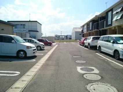 ラフレシール メゾン A[2LDK/58.52m2]の駐車場