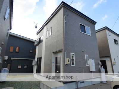 秋田県横手市、十文字駅徒歩7分の築3年 2階建の賃貸一戸建て