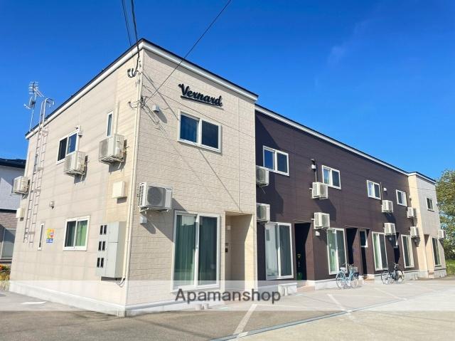 秋田県横手市、横手駅徒歩30分の築1年 2階建の賃貸アパート