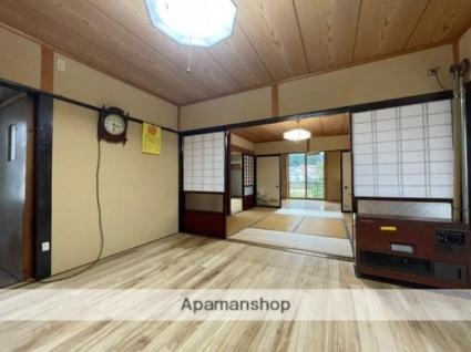 神宮寺屋敷南 貸家[5DK/143.72m2]のリビング・居間