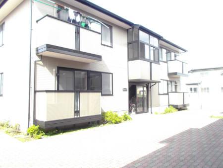 リビングタウン東通B