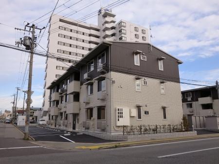 秋田県秋田市、秋田駅バス16分旭北前下車後徒歩6分の新築 3階建の賃貸アパート