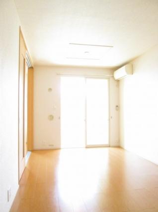 ヴィラ フィーレ B[2LDK/56.98m2]のリビング・居間