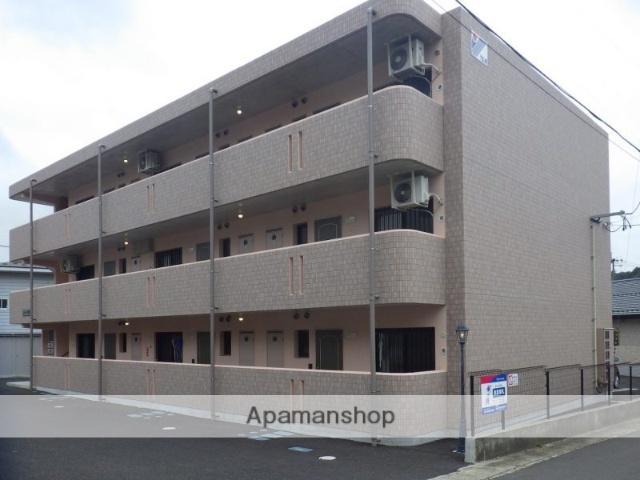 福島県二本松市、二本松駅徒歩30分の築3年 3階建の賃貸マンション