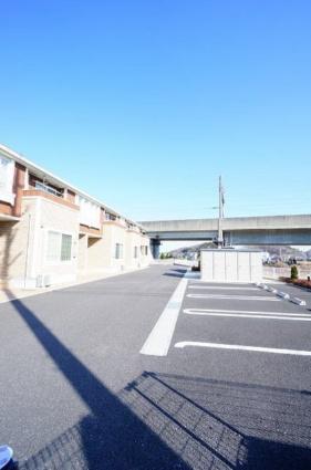プルナス新白河[1LDK/50.09m2]の駐車場