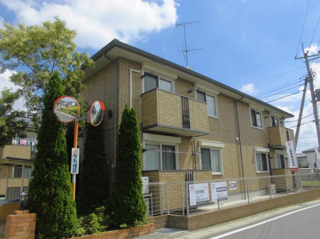 茨城県古河市、古河駅バス10分上辺見下車後徒歩8分の築7年 2階建の賃貸アパート