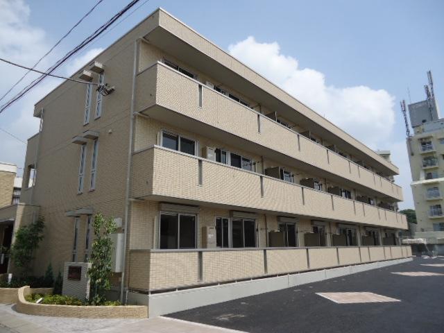 茨城県古河市、古河駅徒歩7分の築3年 3階建の賃貸アパート