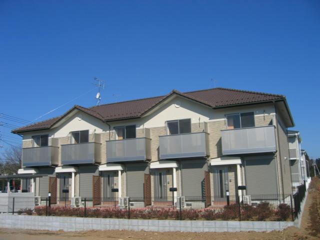 茨城県笠間市、友部駅徒歩20分の築10年 2階建の賃貸テラスハウス