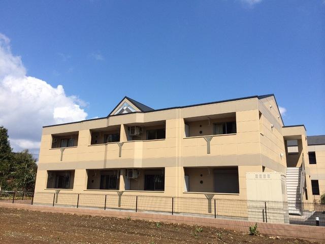 茨城県小美玉市、羽鳥駅徒歩10分の築2年 2階建の賃貸アパート
