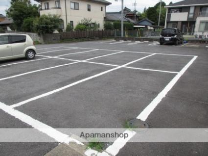 ヴィラクレストB棟[2DK/38.97m2]の駐車場