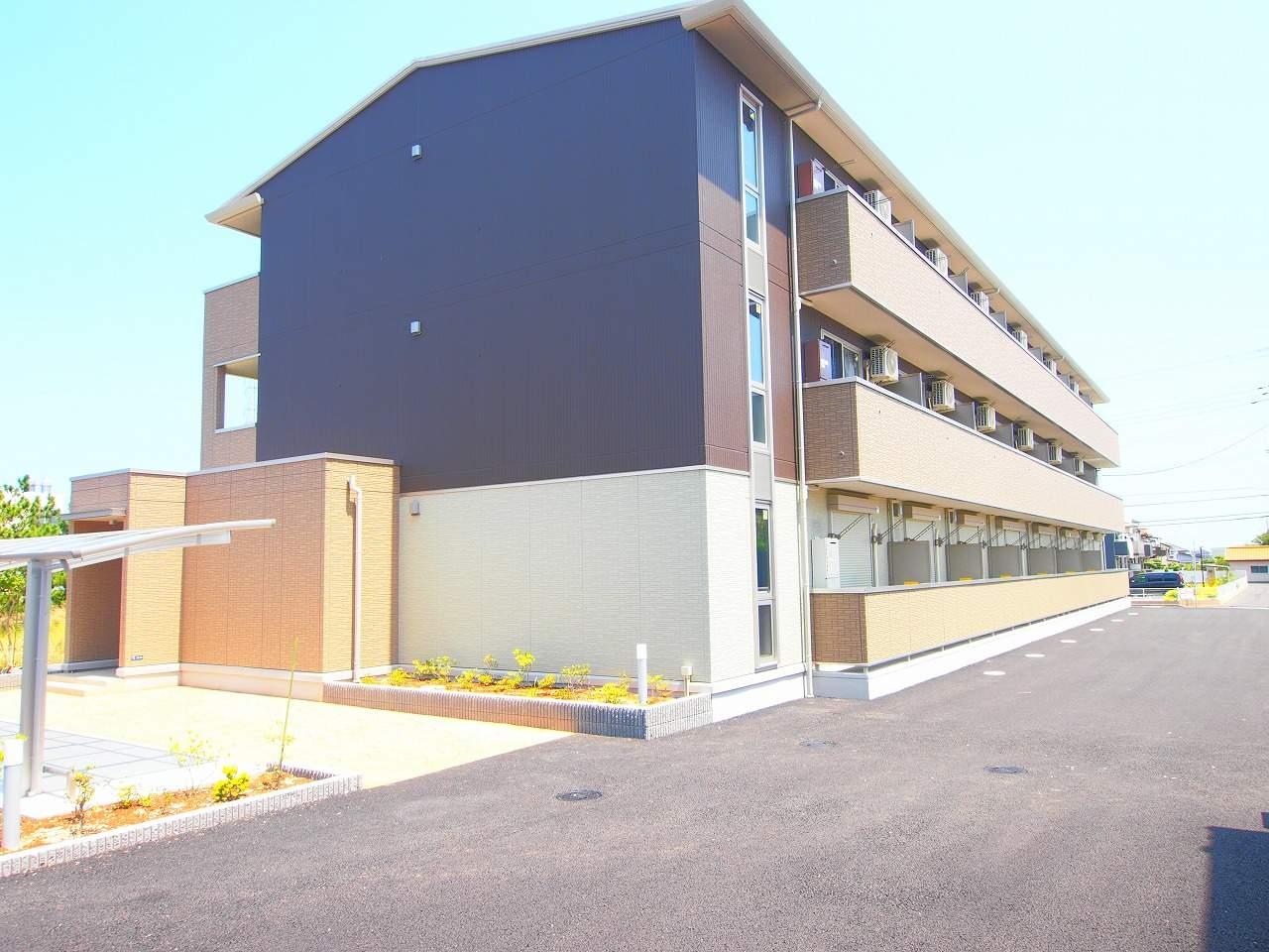 茨城県神栖市、鹿島神宮駅バス51分済生会病院下車後徒歩34分の築2年 3階建の賃貸アパート