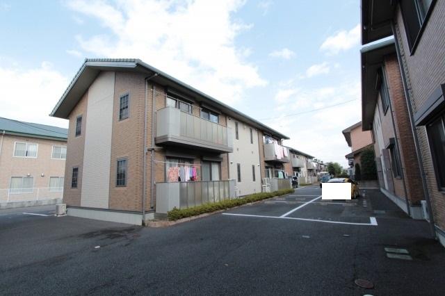 栃木県宇都宮市、宇都宮駅徒歩15分の築10年 2階建の賃貸アパート