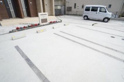プリエール[1LDK/54.19m2]の駐車場