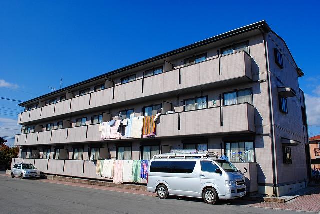 栃木県宇都宮市、宇都宮駅関東バスバス20分公民館前下車後徒歩3分の築13年 3階建の賃貸アパート