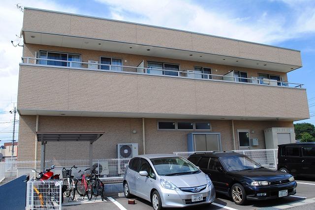 栃木県宇都宮市、宇都宮駅徒歩16分の築3年 2階建の賃貸アパート