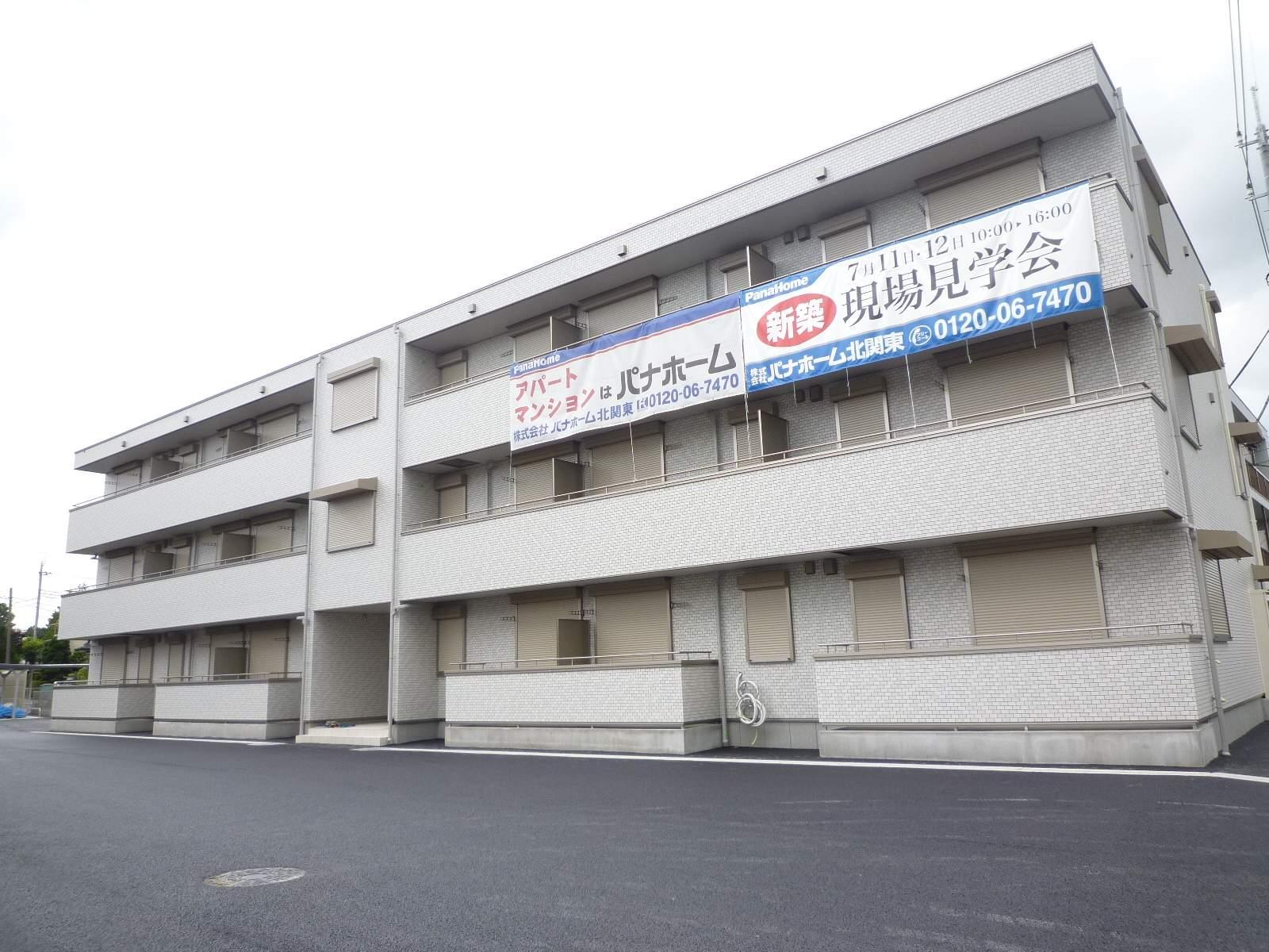 栃木県宇都宮市、雀宮駅バス60分岡新田下車後徒歩5分の築2年 3階建の賃貸アパート