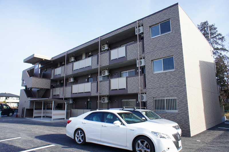 栃木県宇都宮市、西川田駅徒歩13分の築3年 3階建の賃貸マンション