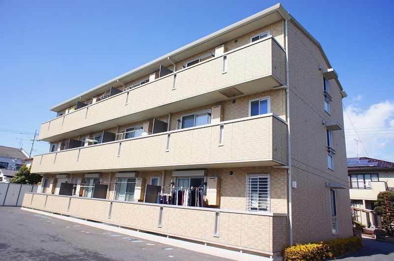 栃木県宇都宮市、西川田駅徒歩30分の築8年 3階建の賃貸アパート