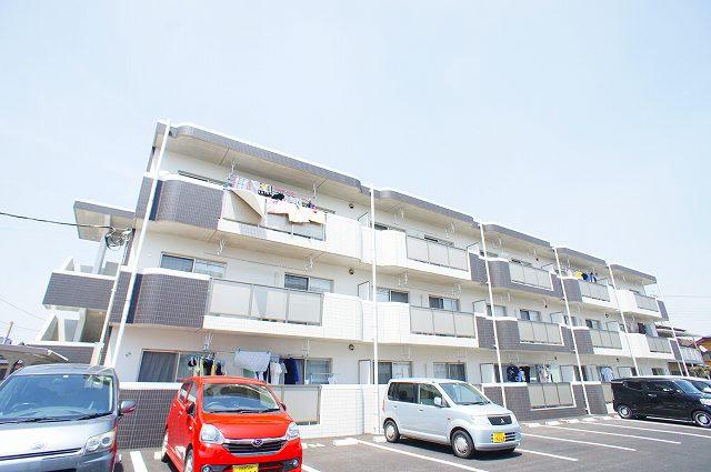 栃木県宇都宮市の新築 3階建の賃貸マンション