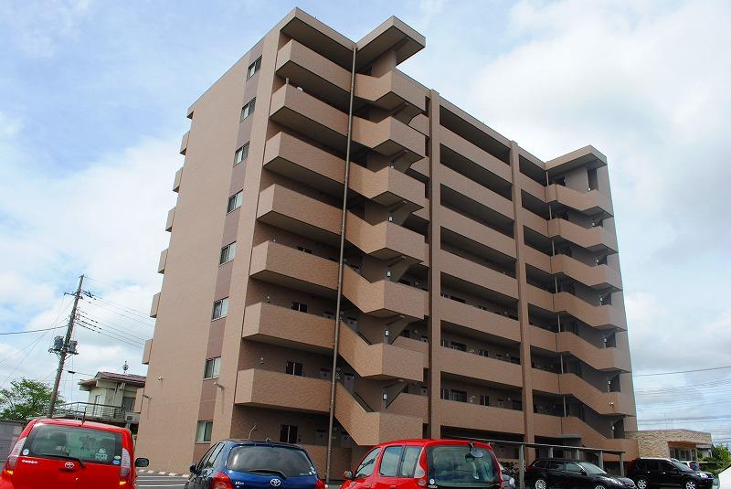 栃木県宇都宮市、雀宮駅徒歩17分の築5年 8階建の賃貸マンション