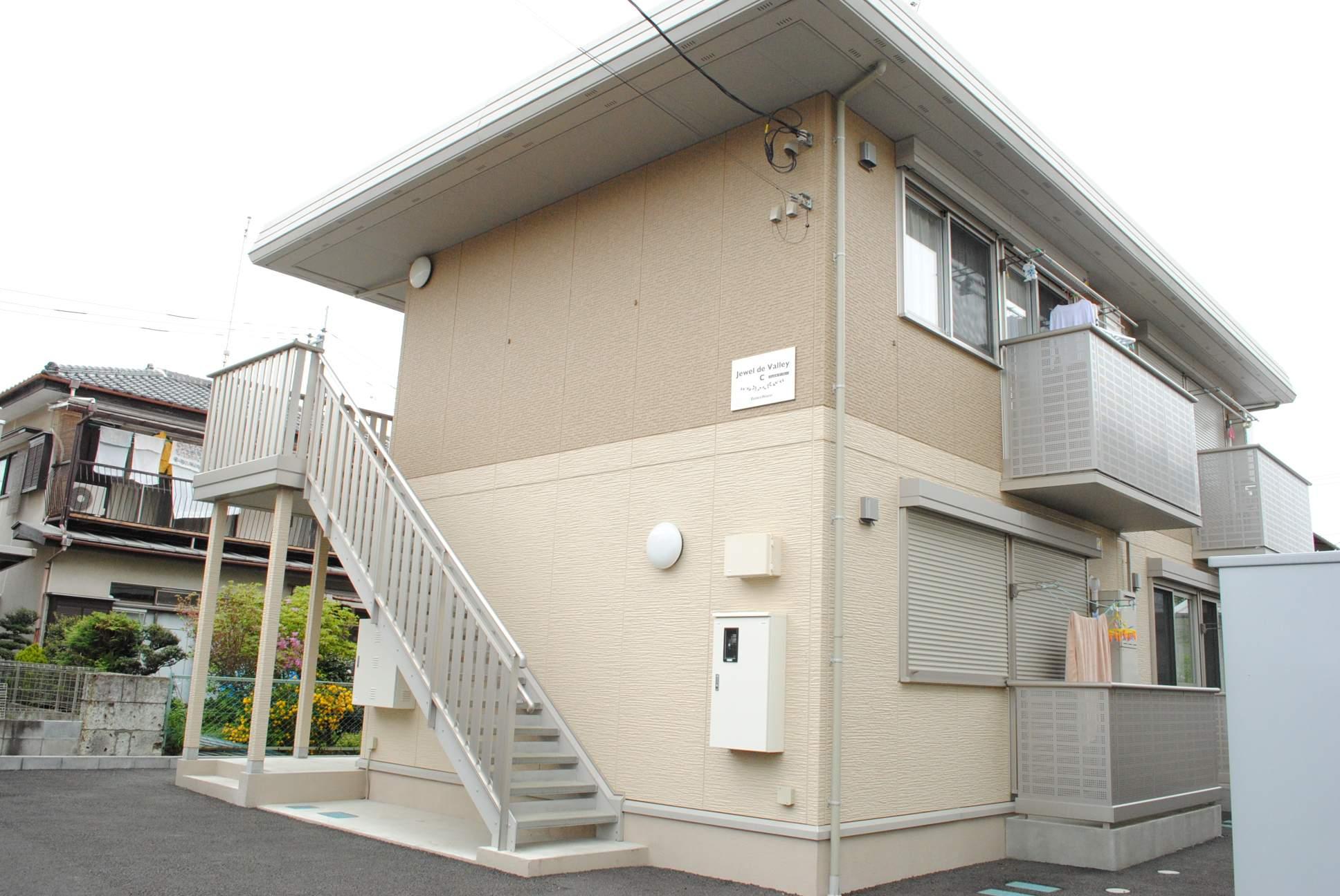 栃木県宇都宮市、雀宮駅関東バスバス25分五代小西下車後徒歩8分の築5年 2階建の賃貸アパート
