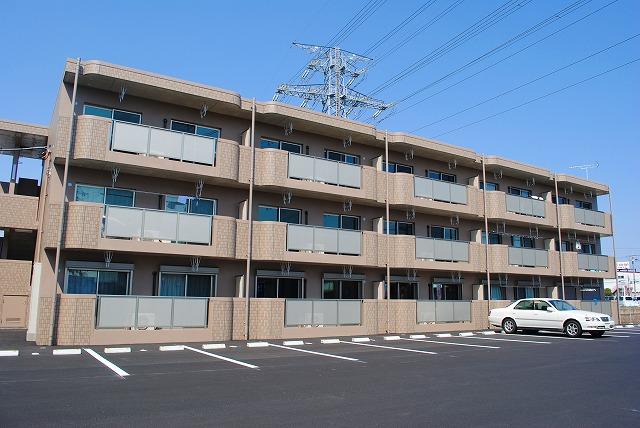 栃木県宇都宮市、宇都宮駅徒歩38分の築4年 3階建の賃貸マンション
