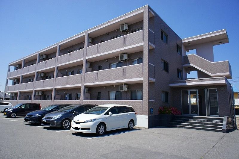 栃木県宇都宮市、鶴田駅徒歩18分の築12年 3階建の賃貸マンション