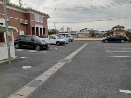 MスクウェアA[1LDK/45.72m2]の駐車場