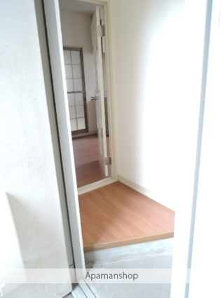 ラフォーレ常見5B[2LDK/50.78m2]の玄関