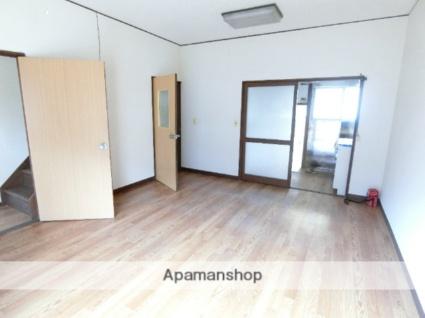 本間アパート[2LDK/52m2]のリビング・居間