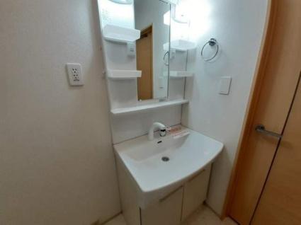 ラ・グリシーヌ[2LDK/57.19m2]の洗面所