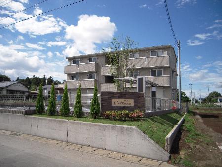 栃木県佐野市、佐野市駅徒歩30分の築7年 3階建の賃貸アパート