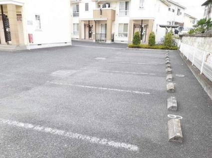 サニーハウスV[2LDK/61.8m2]の駐車場