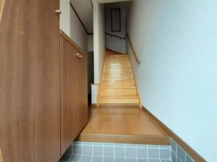 サニーハウスV[2LDK/61.8m2]の玄関