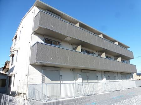 栃木県佐野市、佐野駅徒歩11分の築1年 3階建の賃貸アパート