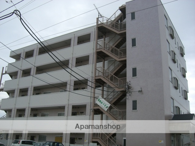 群馬県邑楽郡大泉町、西小泉駅徒歩20分の築13年 5階建の賃貸マンション