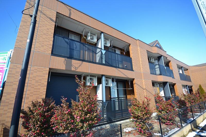 群馬県富岡市、上州富岡駅徒歩23分の築8年 2階建の賃貸アパート
