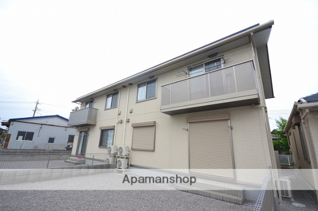 群馬県高崎市、吉井駅徒歩5分の築2年 2階建の賃貸アパート