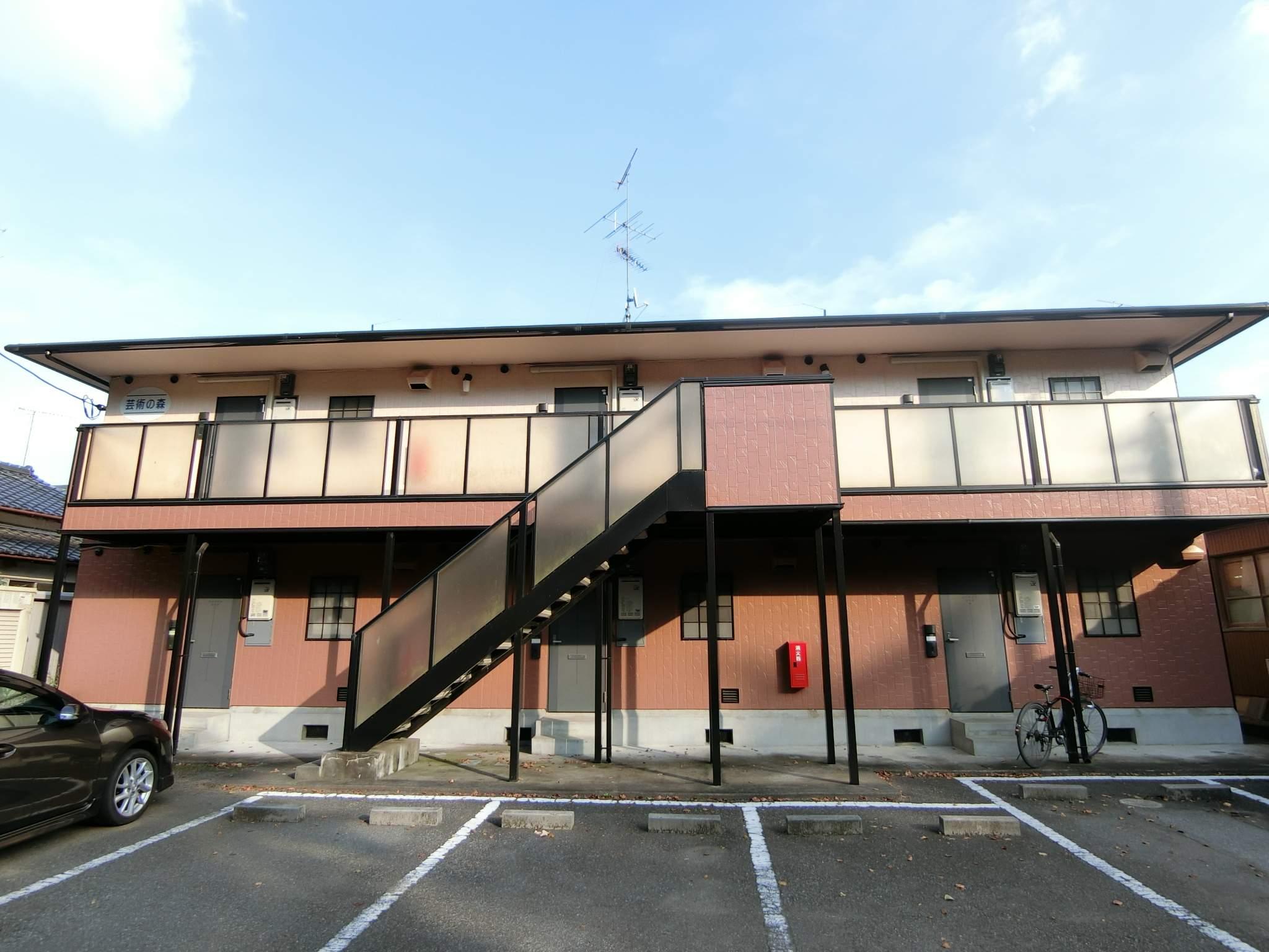 群馬県館林市、成島駅徒歩18分の築17年 2階建の賃貸アパート