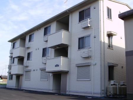 群馬県館林市、茂林寺前駅徒歩13分の築8年 3階建の賃貸アパート